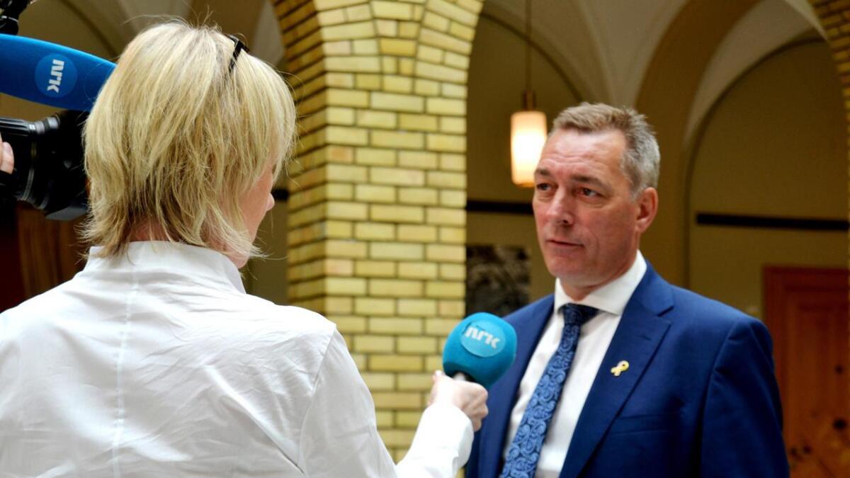 – Vi skal ha et forsvar som er i stand til å løse dagens og fremtidens utfordringer, og vi skal ha en effektiv og fornuftig bruk av samfunnets ressurser, sier Frank Bakke-Jensen.