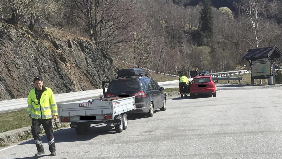 Trafikkontroll Seimsvatnet onsdag 17. april. Ein sjåfør fekk bruksforbod for ein tilhengjar som mangla ljos.
