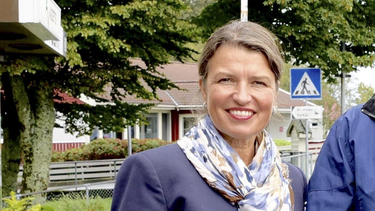Liv Kari Eskeland (H) møter i enerigi- og miljøkomiteen på Stortinget. Ho håpar på meir dialog mellom utbyggjarar og fiskarar om havvind-utbygging.