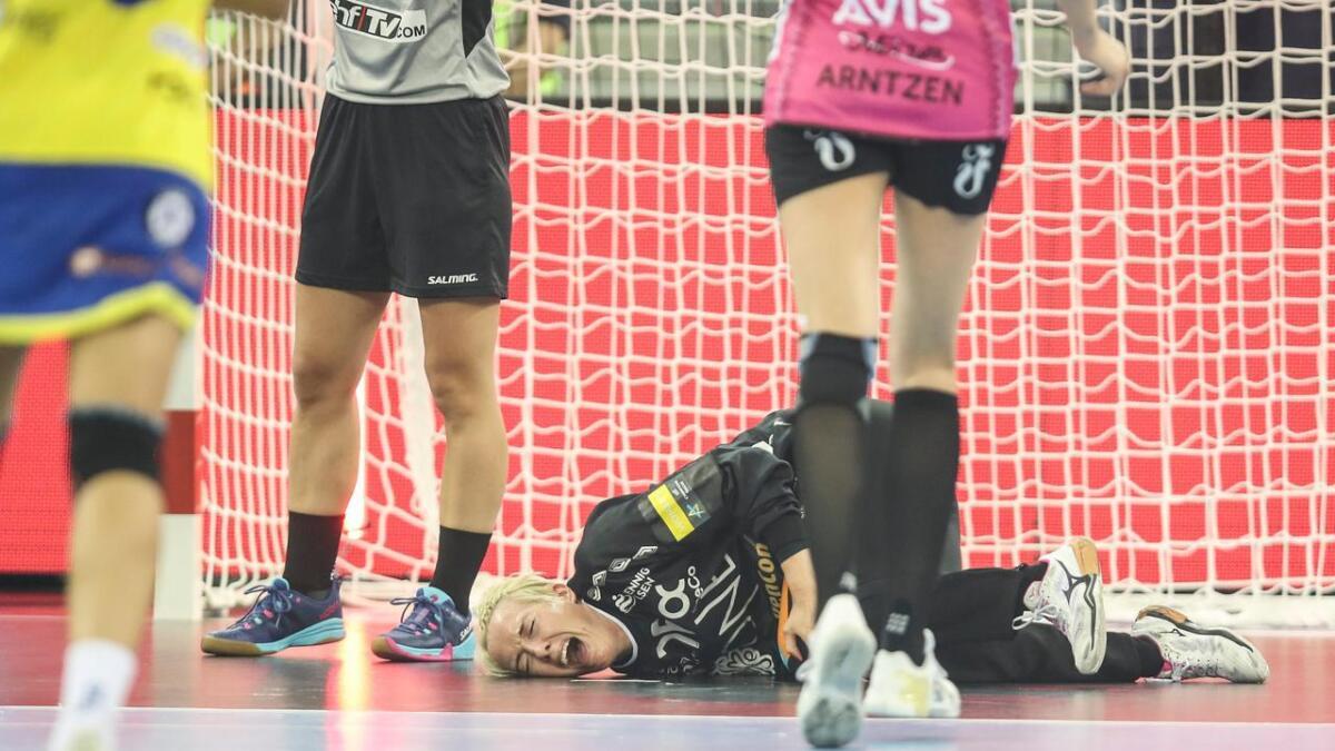 Katrine Lunde skadet kneet i kampen mellom Metz og Vipers søndag.
