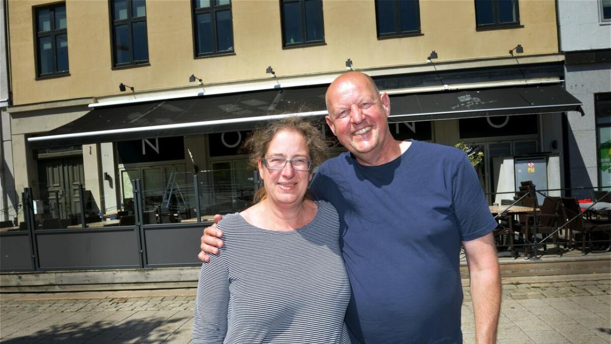 Giel Beeren og Miranda Bartels har flyttet fra Nederland til Fevik og åpner fredag et halt nytt pannekakehus der den greske restauranten tidligere holdt til i Arendal sentrum.