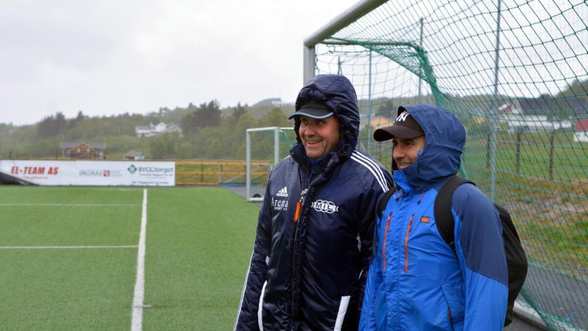 Arnvid Johansen og Djamel Hammadou fulgte med og ga instruksjoner til spillerne.
