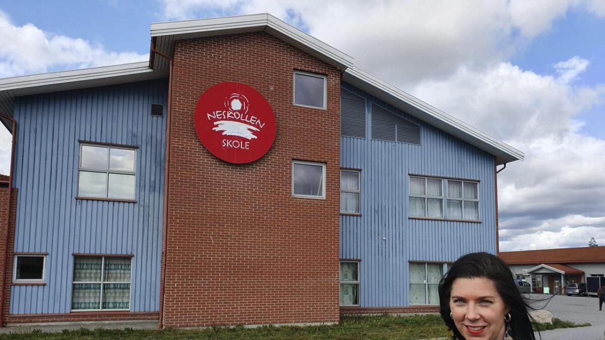 Anita Ervik, FAU-leder ved Neskollen skole reagerer svært negativt på at politikerne vil flytte 7. trinn på Neskollen til Vormsund ungdomsskole for å løse plassproblemene ved skolen uten investeringer.