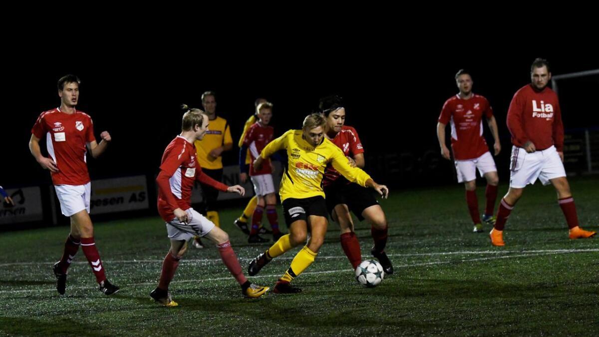 Lia-spillerne fikk det tøft i møte med Atle Råna og Rygene 2. Råna spiller til vanlig på 5. divisjonslaget til klubben, som i år endte på 3. plass.
