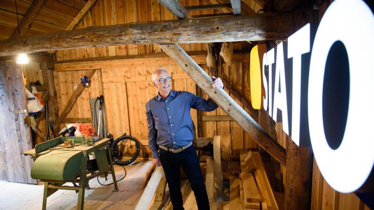 Ivar Miljeteig (73) har laga sitt eige tele- og petroleumsmuseum på Borgundøy. Mange av tinga har han samla over ei 30 år lange karriere innan petroleumsindustrien.