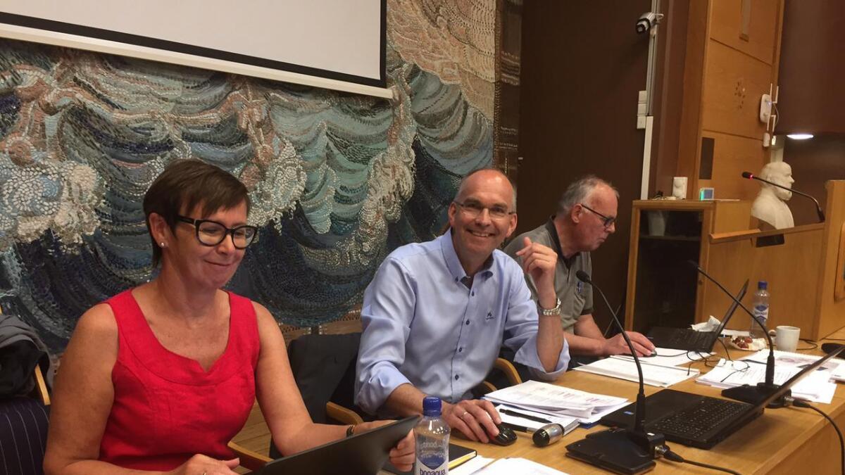 Ordfører Kjetil Glimstad (KrF) og varaordfører Per Svenningsen, som representerer Arbeiderpartiet.