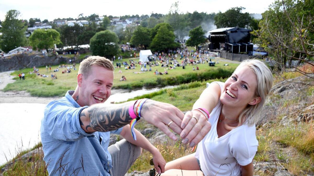 Jannicke Møretrø Vassbotn og Svein Andre Vassbotn giftet seg dagen før Skral og feiret bryllupet med  festival på Groos.