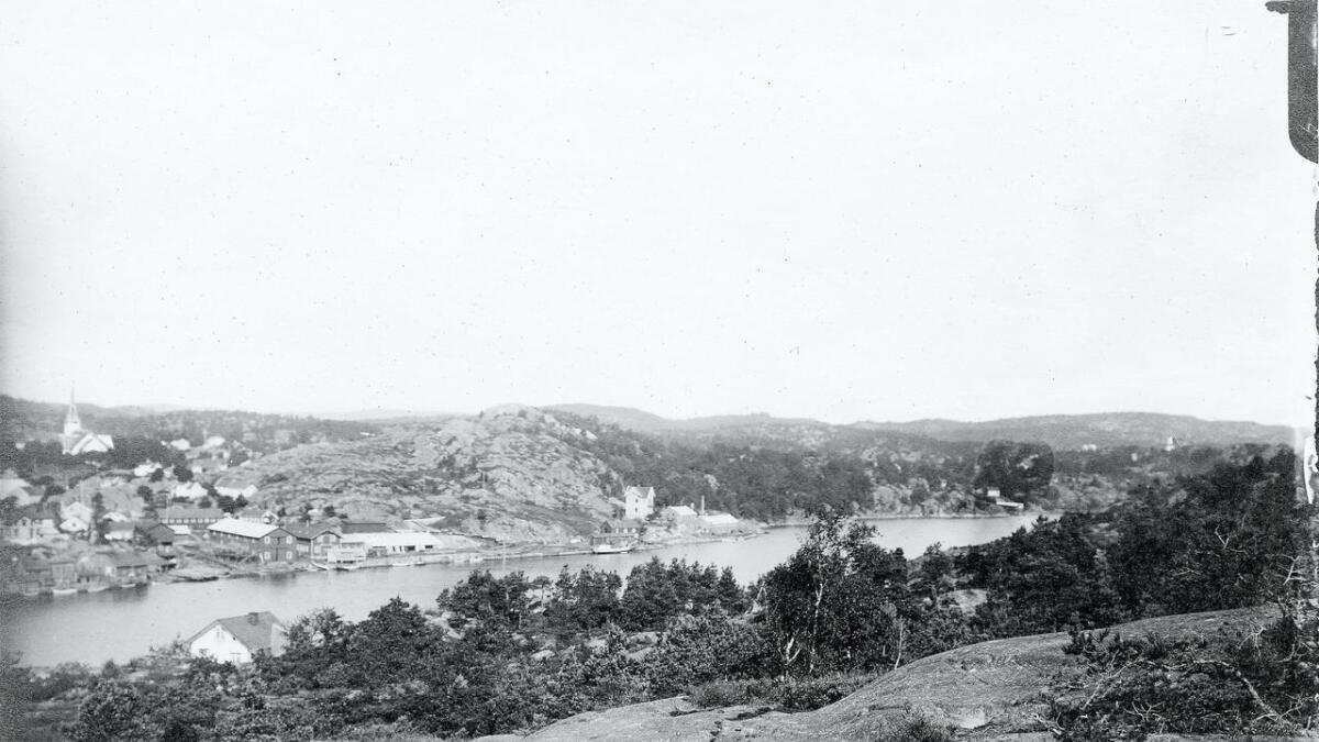 Trolig er det «Sneklokken» som ligger på beddingen i Hasseldalen på dette bildet fra 1917.