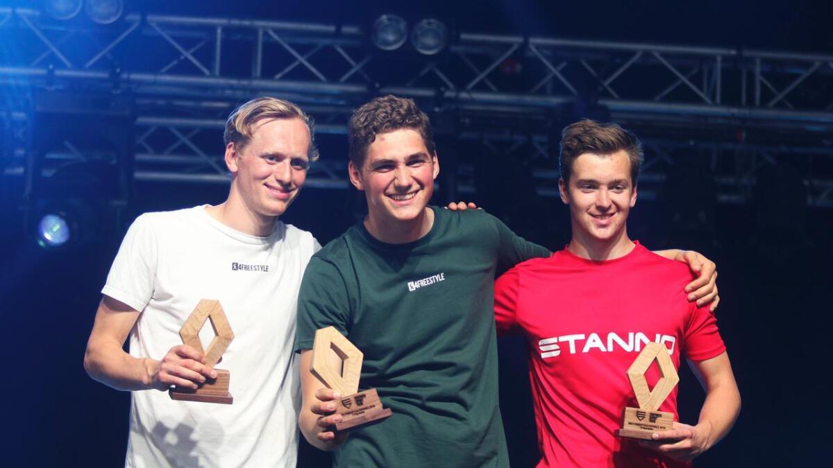 Erlend Fargerli (i midten) vann NM. Brynjar Fagerli kom på 2. plass, medan Sindre Herre Hansen vart nummer tre.
