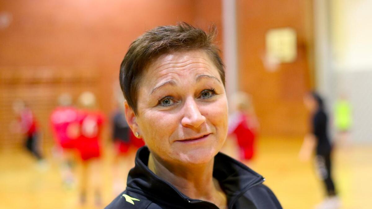 Sidan 2007 har Gitte Torp hatt ulike trenarroller i Os Handball, seinast som hovudtrenar for damelaga til Os i sesongen 2018/2019. I mai 2019 overtok ho ansvaret for Askøy Handball sitt damelag i 3. divisjon. Denne rolla skal ho halda fram i.