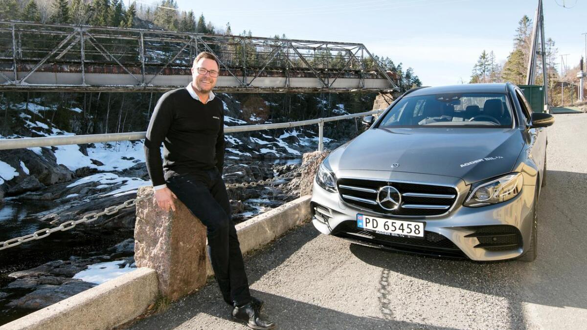 Salgssjef Steinar Bergmo hos Agder Bil liker godt den nye ladbare hybriden fra Mercedes.