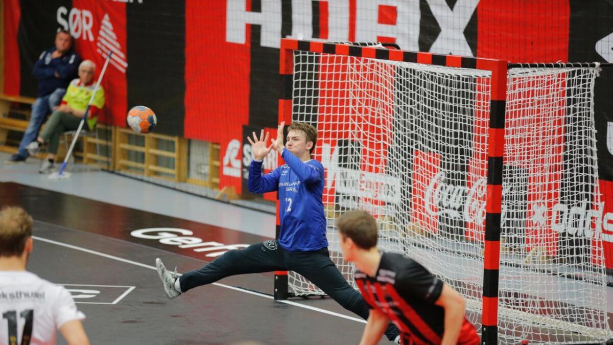 ØIF-målvakt André Bergsholm Kristensen blir å se på agderposten.no også denne sesongen. Her er han i aksjon mot Elverum i den tredje sluttspillfinalen forrige sesong.