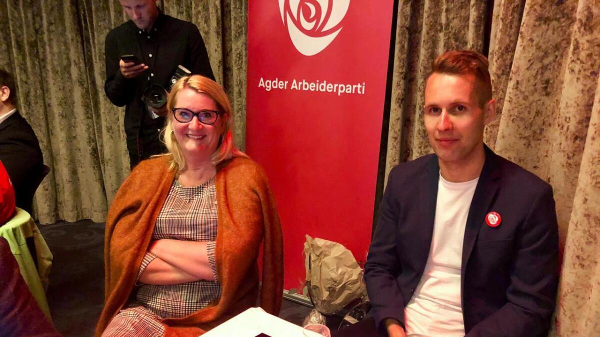 Fylkesordførerkandidat Gro Bråten og partifelle Kai Steffen Østensen (Ap).