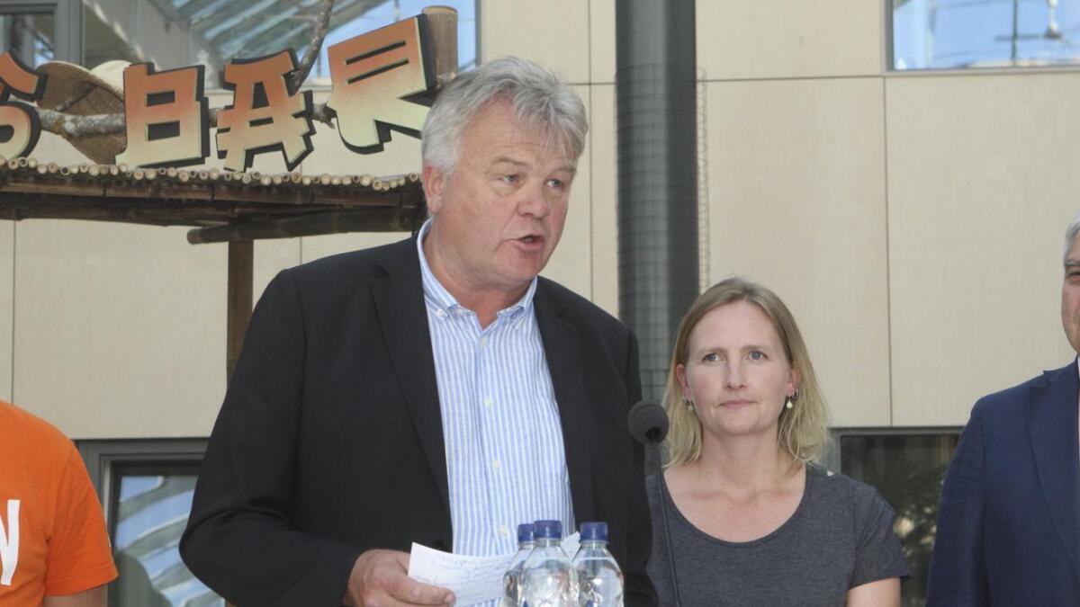 Strandviks store son, Mikal Leigland, er andrekandidat for Senterpartiet.