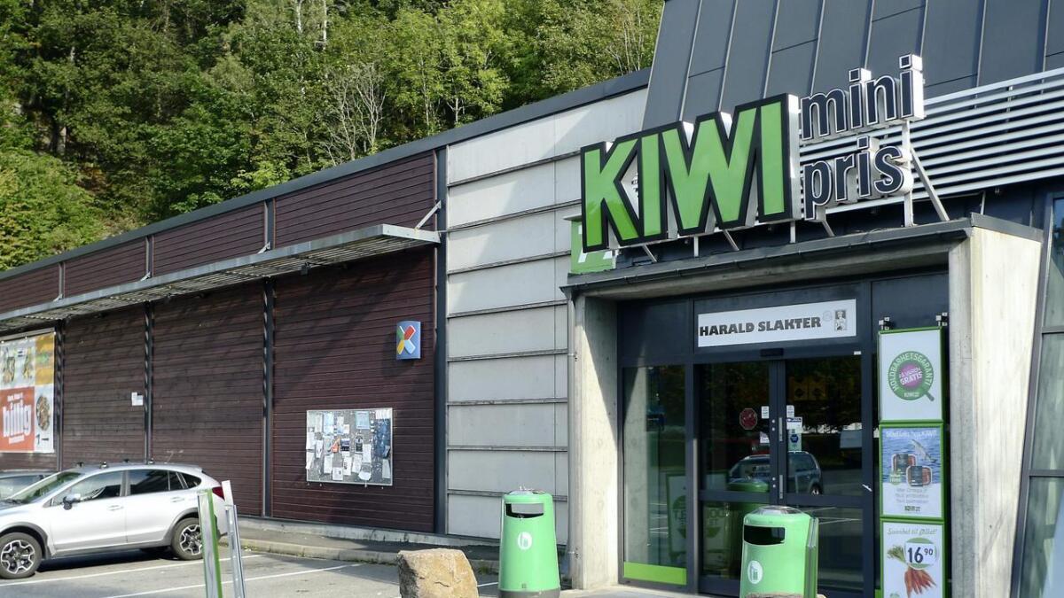 Kiwi-butikken på Myrene får kritikk av Framtiden i Våre Hender for å selge julebrus i september.