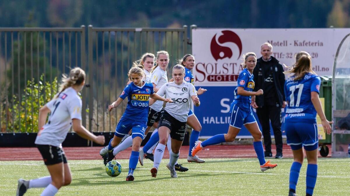 Årets siste kamp for HFK vart spilt mot Røa Elite 2. Her frå ein kamp mot Sandefjord i september.