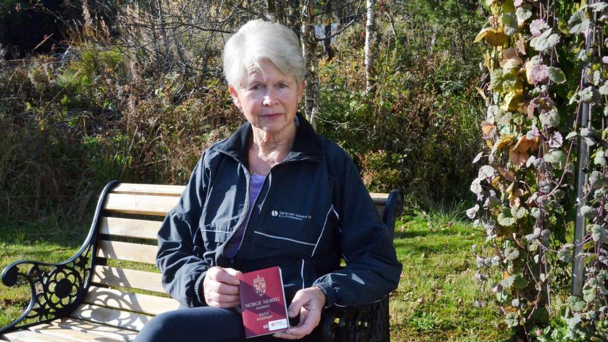 Mange eldre opplever det som utrygt og som en håpløs situasjon når de får når brev fra banken om at de må legitimere seg med pass, sier Gerd Vigdis Slettedal i Vennesla Eldreråd.