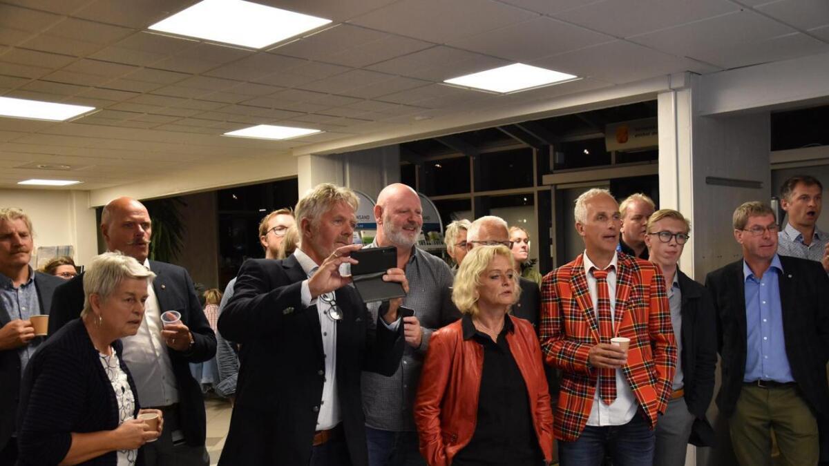 Ordførerkandidatene fulgte spent med da forhåndstemmene ble offentliggjort