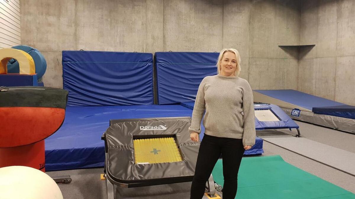 Leder i Vennesla cheer og-turnforening, Liv Solveig Torsøe, konstaterer at hverdagen for turnerne er radikalt endret etter at «Turnfabrikken» sto ferdig på Stemhei tidligere i år. Nå kan de trene så ofte de vil. Enda mer plass er likevel drømmen.