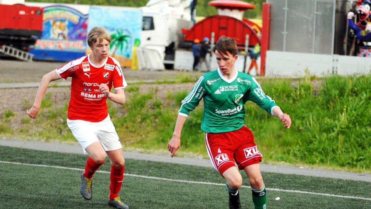 Sander Myhra (Stokmarknes) mot Roger Elias Hansen (Morild).