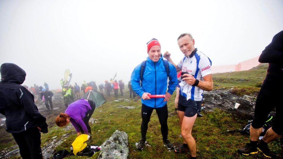 - Han slo meg, men eg er nøgd, seier Einar på toppen av Kvasshovden. Hallvard er mest oppteken av å koma seg ned att frå det gufsekalde fjellet for å hjelpa til på garden.