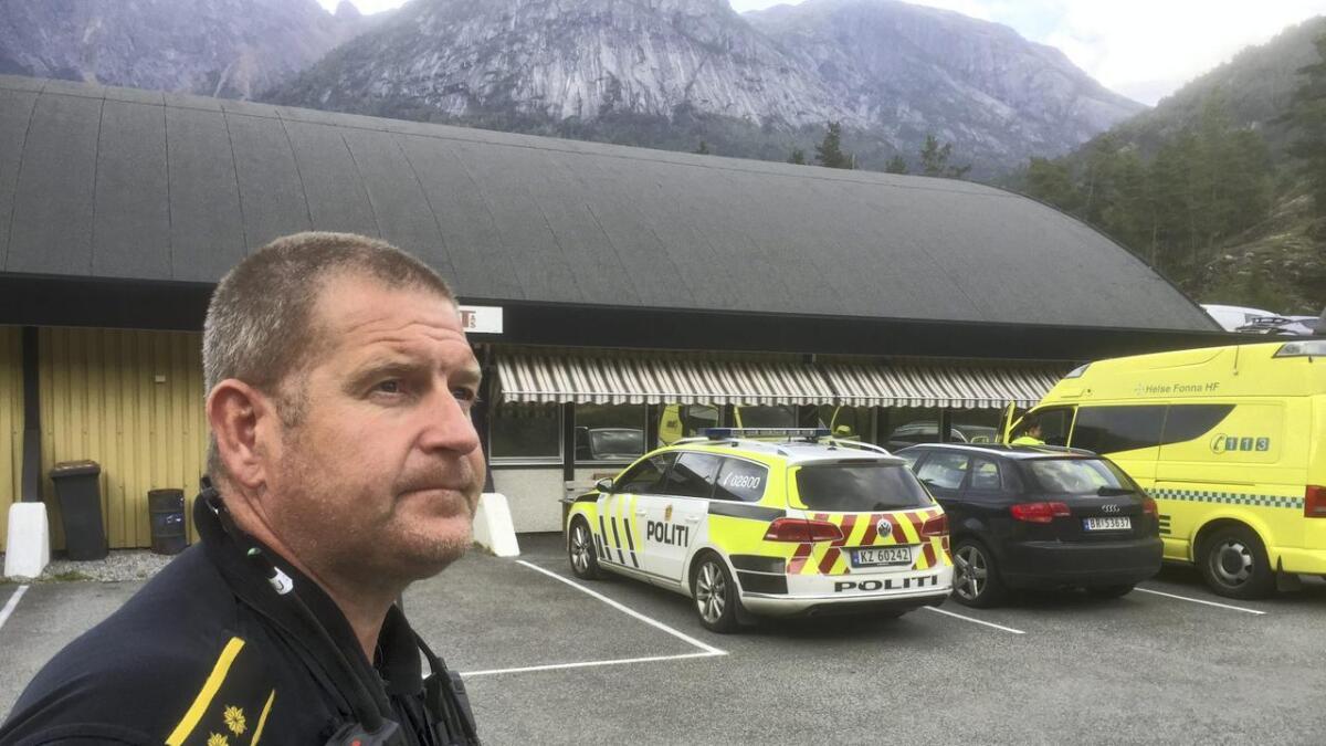 Innsatsleiar i poltiet, Jens Petter Gravning, fortel at søk etter ei mogleg ulukke er i gang.