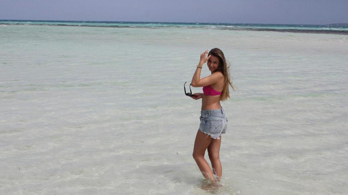 Elisabet Lorentzen Djønne er klar for finale i Bergen. Her er ho på Maldivene.