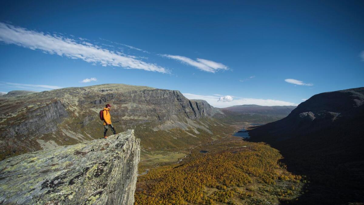 Frå klippa har ein panoramautsikt over Hydalen. Vil dette bli Hemsedals neste store attraksjon?