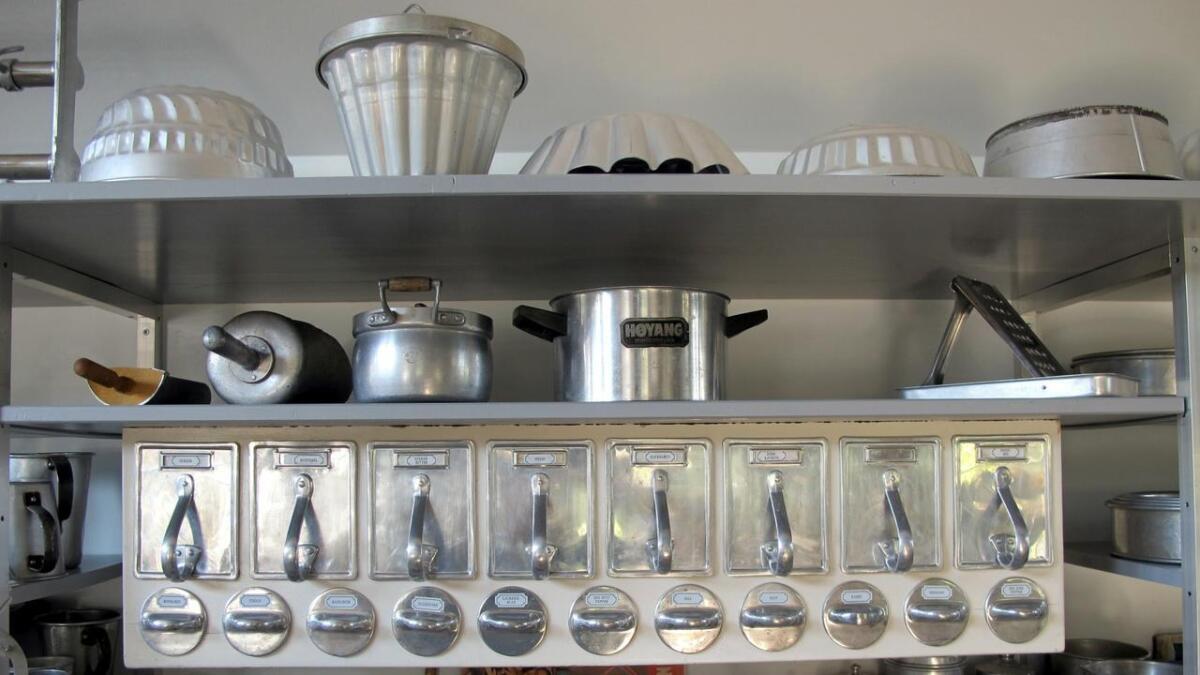 Slike skuffseksjoner var standard i mange hus – her i aluminium.