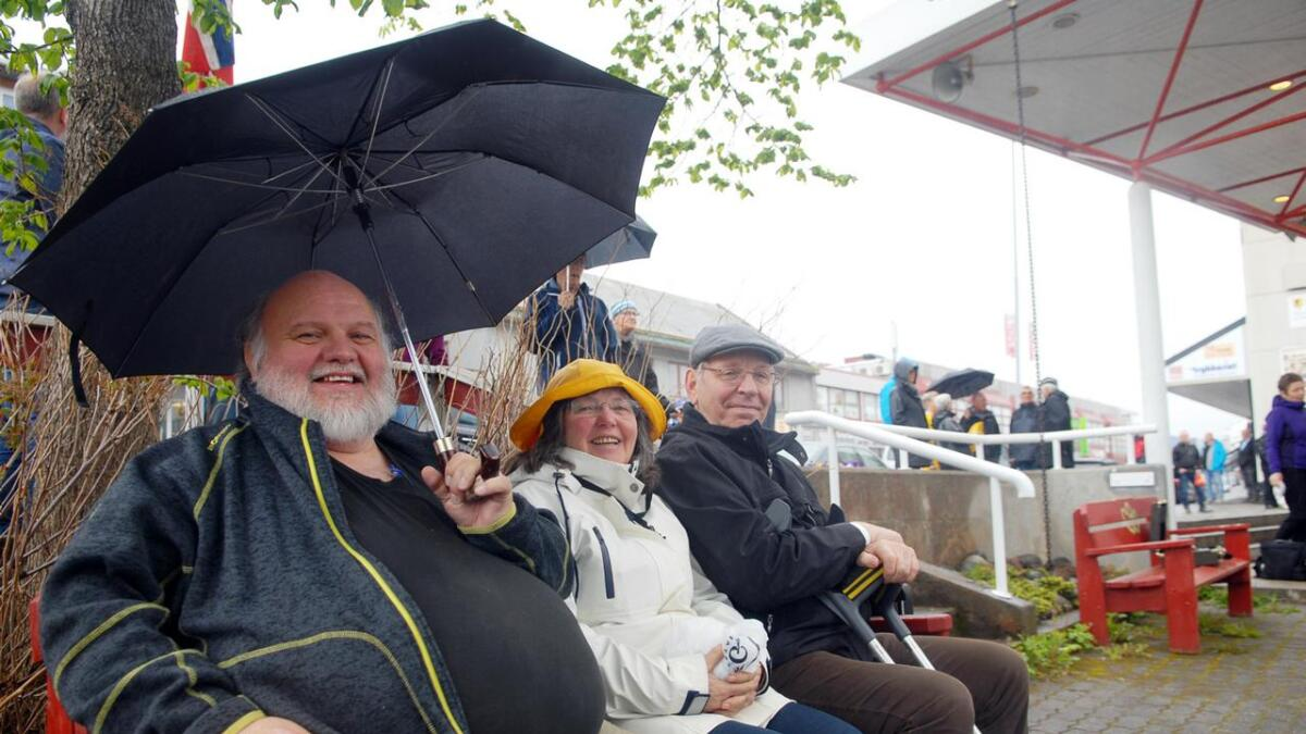 Oddmund Finnseth (f.v.), Freydis Finnseth Jensen og Ove Eirik Jenssen gleder seg over å høre mye fin korpsmusikk.