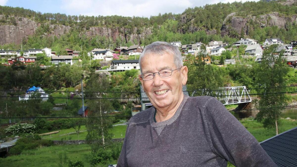 Agnar Sellevold, blid kulturprisvinnar heime i Ardalsvegen på Stanghelle.